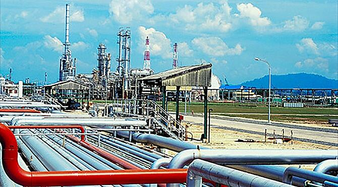 A modern refinery operation